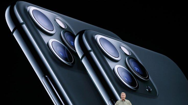 Üç arka kameralı iPhone tanıtıldı