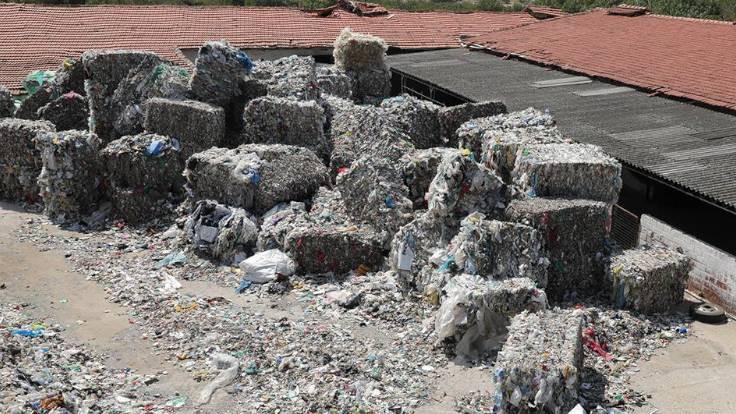 İzmir'deki ithal plastik atıklar için suç duyurusu