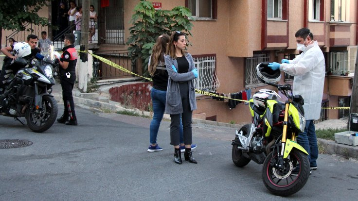 İstanbul'da motosikletli 2 kişi çevreye ateş etti