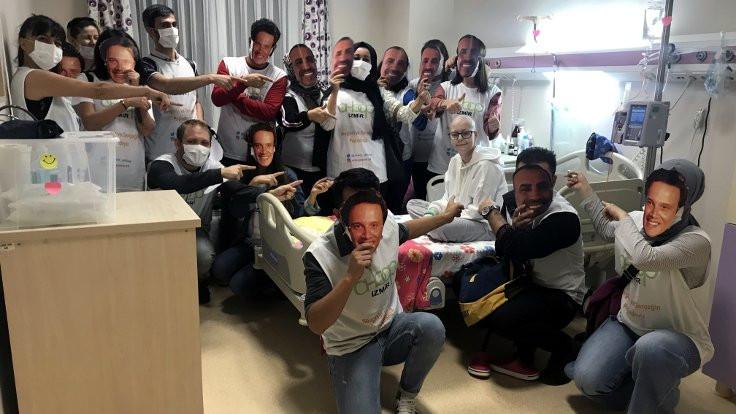 Kanser hastası Nida'ya 'Ahbap' ziyareti