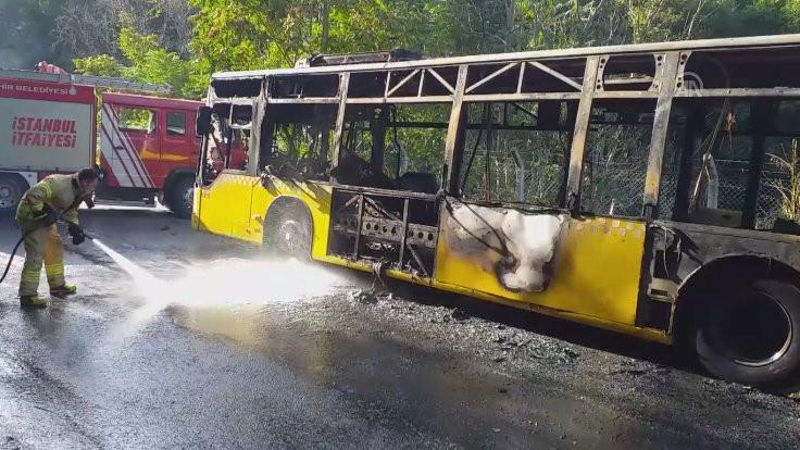 İETT otobüsü yoldayken yandı