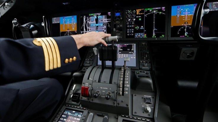 Pilot kahve dökünce zorunlu iniş yapıldı