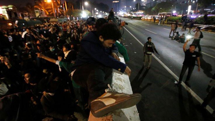 Endonezya'daki ırkçılık karşıtı gösterilerde 20'den fazla ölü