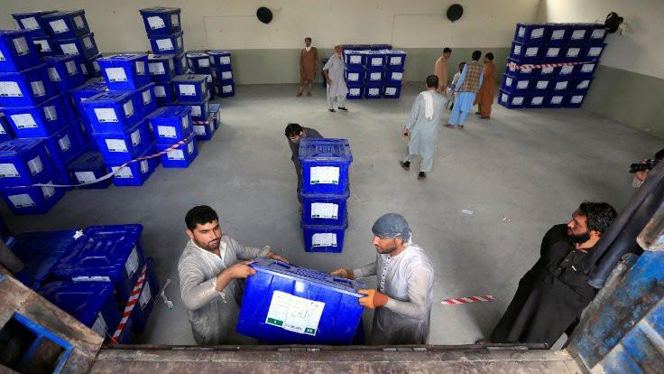 Afganistan'ın 'üçte ikisinde' seçim var