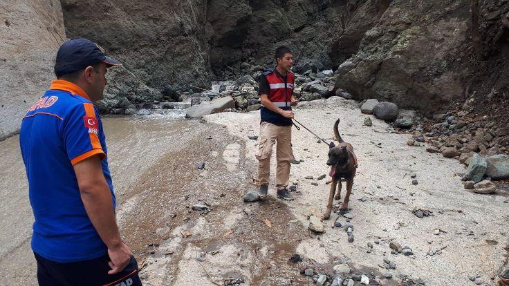 Trabzon'daki selde kaybolanları arama çalışmaları yeniden başladı
