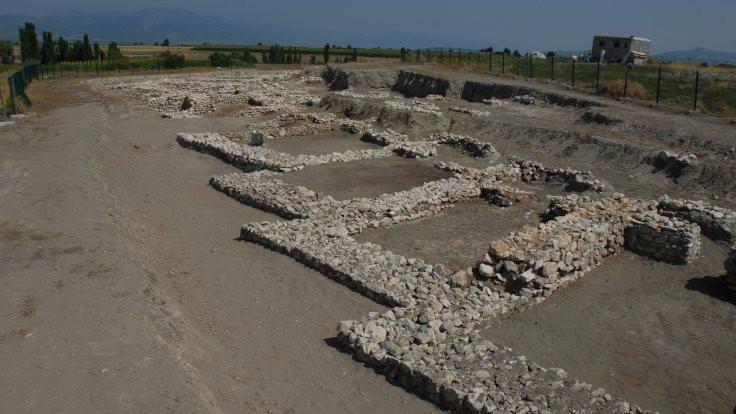 Hacılar Büyük Höyük'te kraliyet izi bulundu