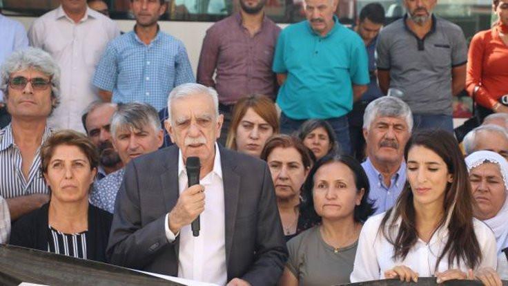 Türk: Türkiye bataklığa sürükleniyor
