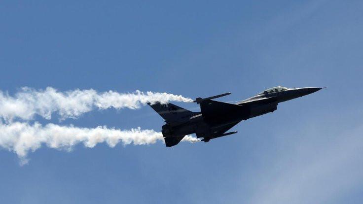 Almanya'da Amerikan F-16'sı düştü