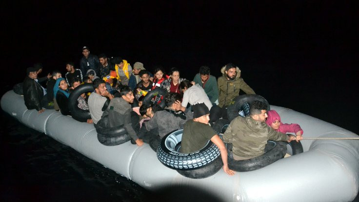 İzmir'de 720 mülteci yakalandı
