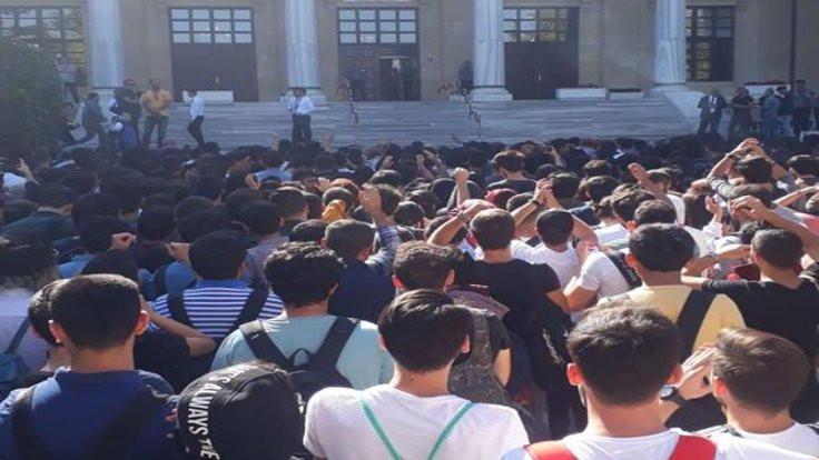Gazi Üniversitesi'nde 'taşınmaya' karşı eylem