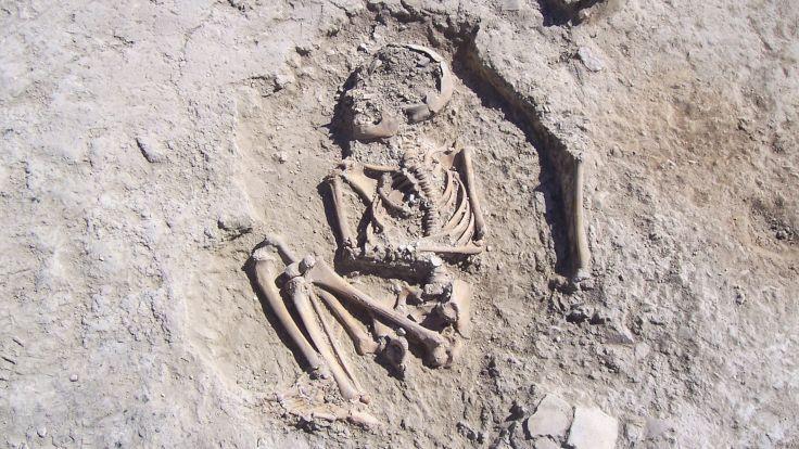 Malatya'da 5 bin 700 yıllık çocuk iskeleti bulundu