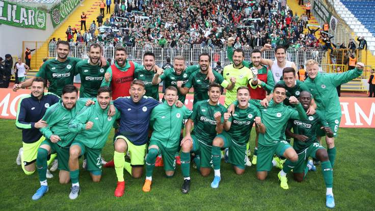 5 gollü maçta kazanan Konyaspor
