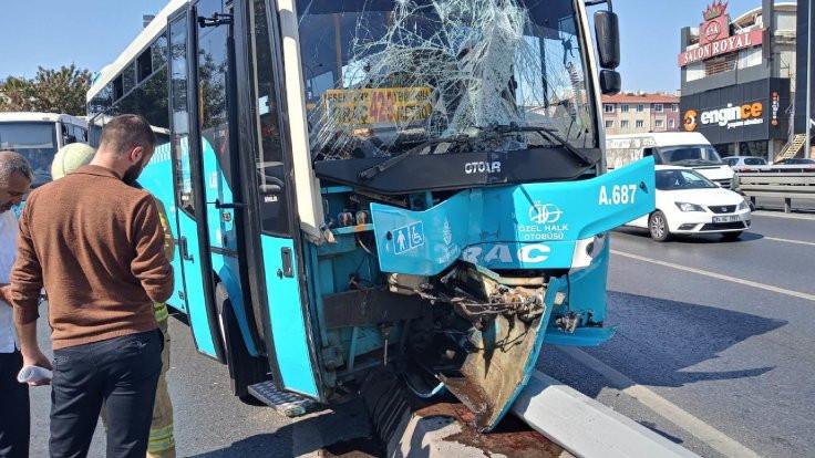 İstanbul'da halk otobüsü kaldırıma çıktı: 5 yaralı