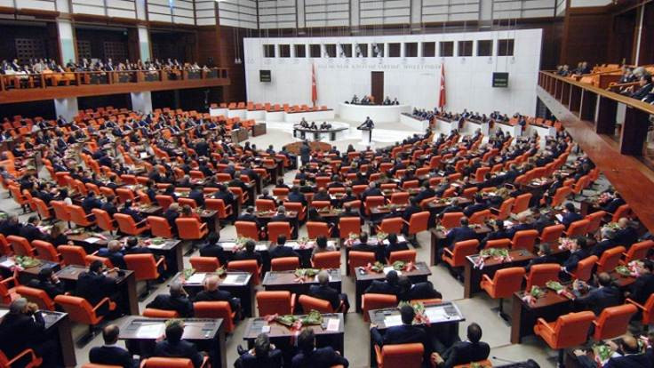Komisyonda MHP'den AK Parti eleştirisi