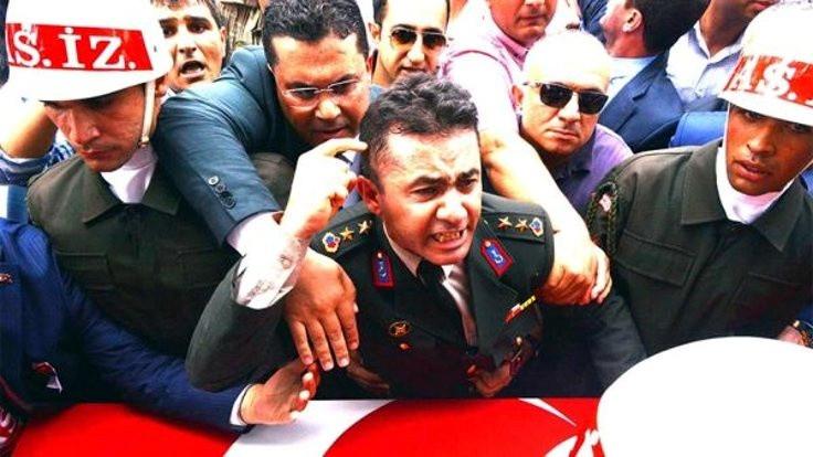 Yarbay Alkan'a 'Reis özür bekliyor' notu gitmiş