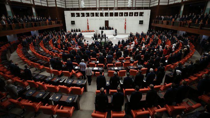 Irak ve Suriye tezkeresi Meclis'e gönderildi