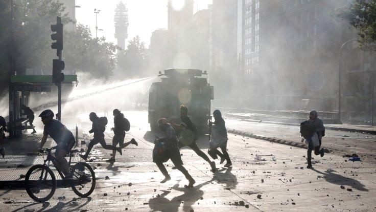 Şili'de protestocular polis veri tabanını hackledi
