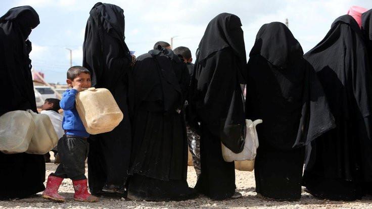 Şengal'de IŞİD yakınlarına kamp tepki çekti