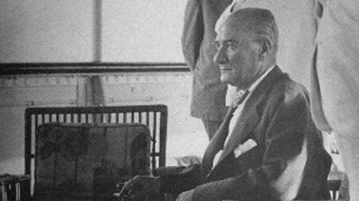 Mustafa Kemal Atatürk törenlerle anılıyor