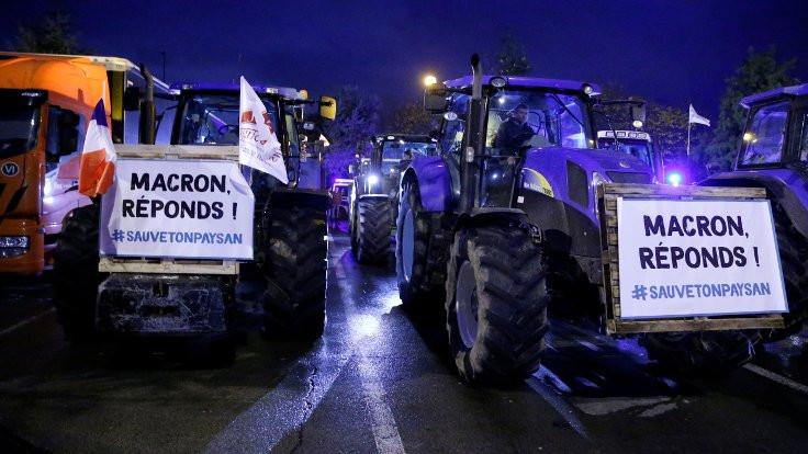 Fransa'da çiftçiler Macron'a karşı ayaklandı