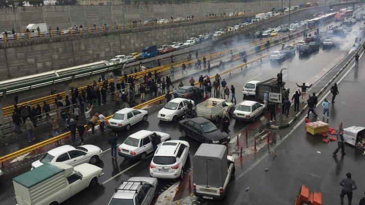 'İran protestolarında 106 kişi öldürüldü'