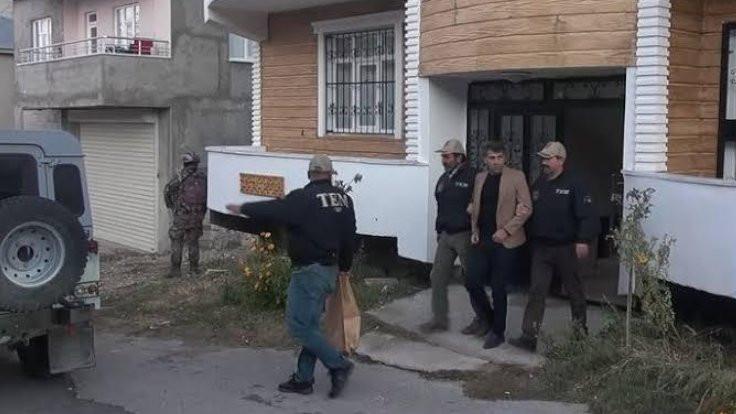 İpekyolu Belediyesi eşbaşkanları gözaltında