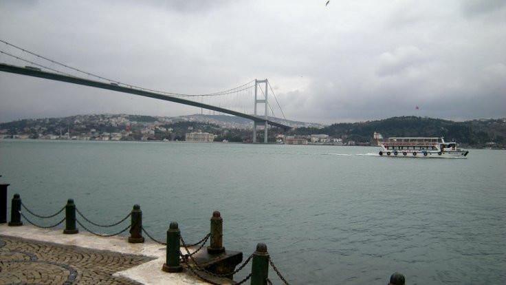 İstanbul Boğazı trafiğe kapatıldı, seferler iptal edildi