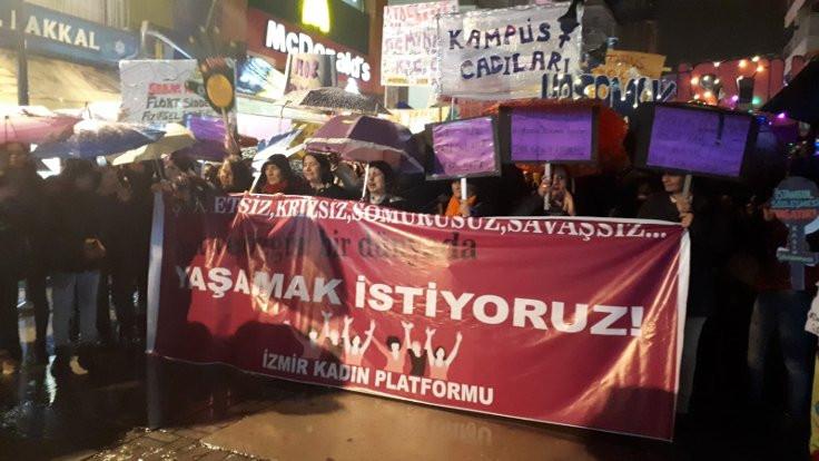 İzmir'de 'Kadın dayanışmasını büyüteceğiz' mesajı