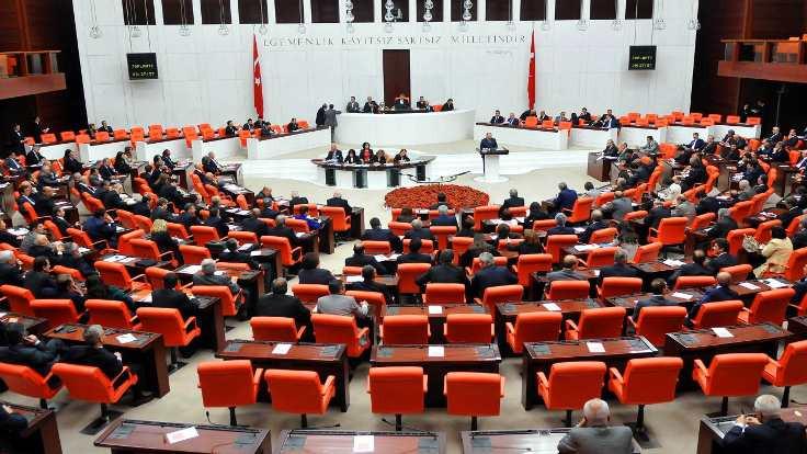 Meclis'e yeni fezlekeler sunuldu