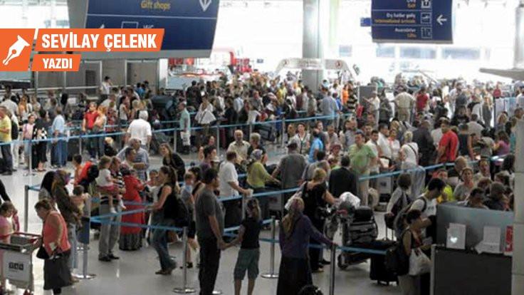 Pasaport İzmir'de bir semt adı değildir