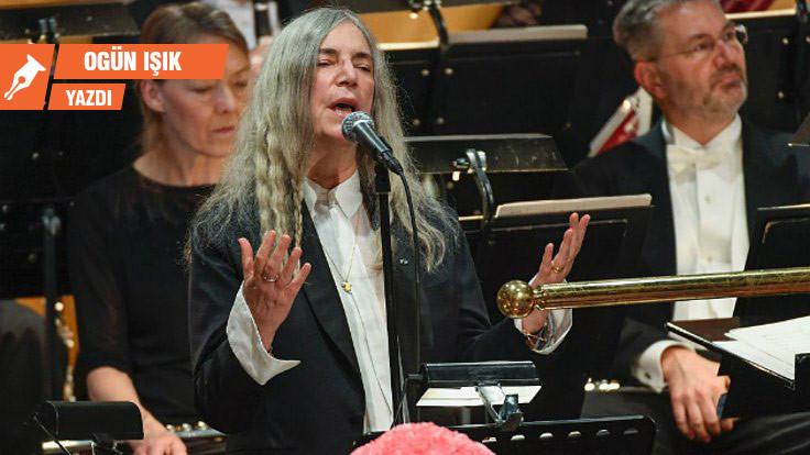 Patti Smith'ten deneysel, yeni bir albüm
