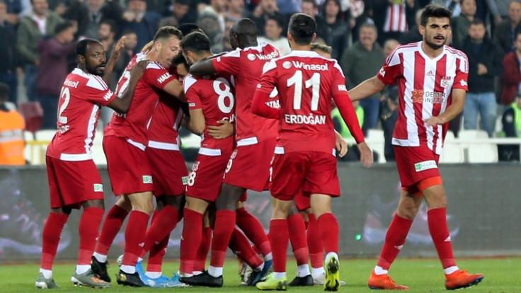 Sivasspor liderliğe yükseldi