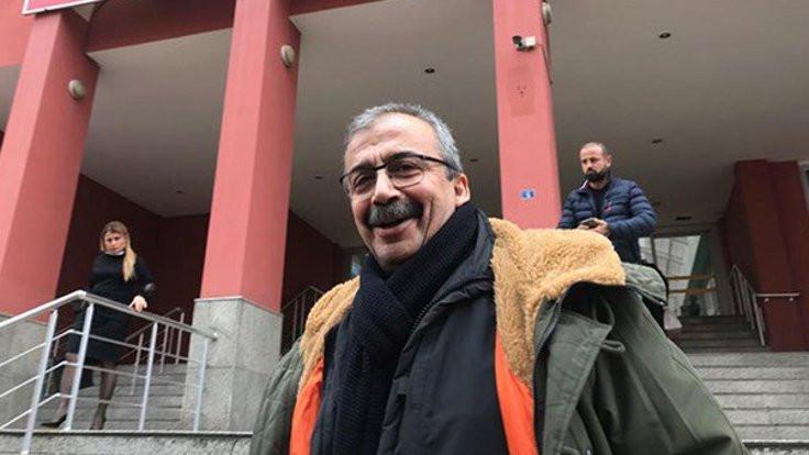 Sırrı Süreyya Önder'in dışarıda ilk kahvaltısı