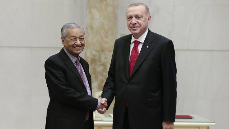 Erdoğan: Kadroluda 'yan gel yat' mantığı var