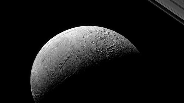 Enceladus'un sırrı çözüldü