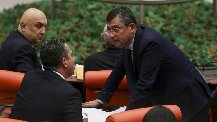 Muhalefet tepki gösterince bakanlar Meclis'e geldi