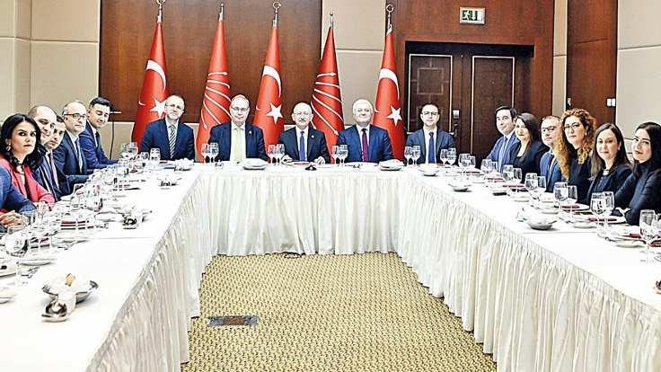 Kılıçdaroğlu: Mansur Bey rantla mücadele ediyor