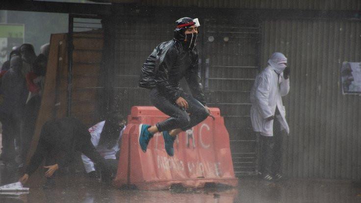 Kolombiya'da grev: 40 bin kişi hükümeti protesto etti - Sayfa 4