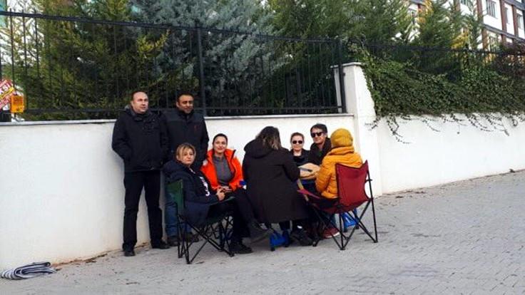 Doğa Koleji velileri oturma eylemine başladı