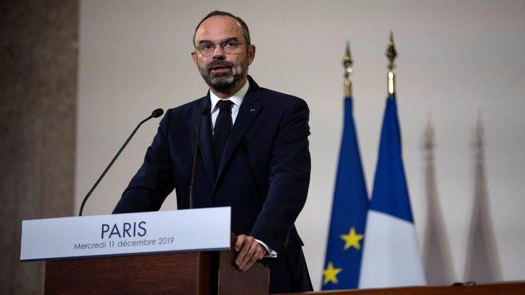 Macron'un emeklilik reformu resmen açıklandı