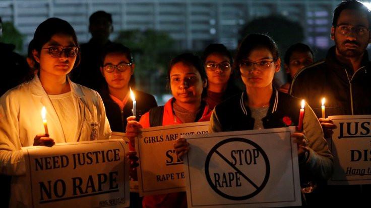 Hindistan'ı sarsan cinayette zanlılar öldü