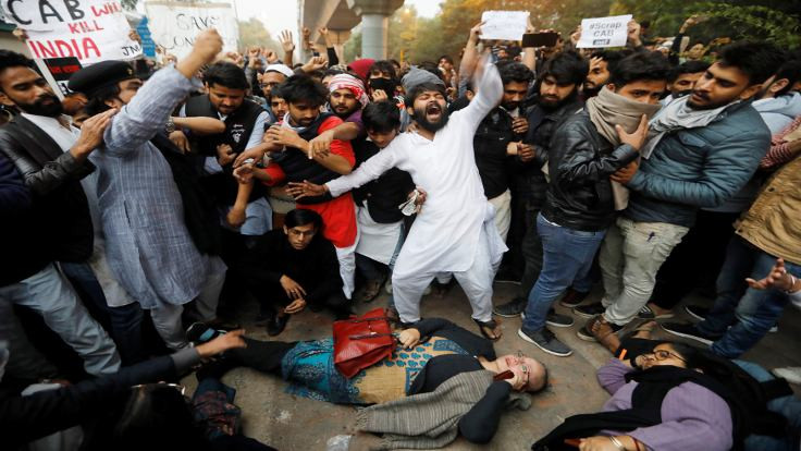 Hindistan'da Müslümanlar eylemde