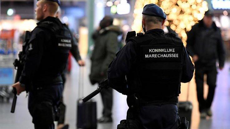 Hollanda'da bir kadın sokak ortasında öldürüldü