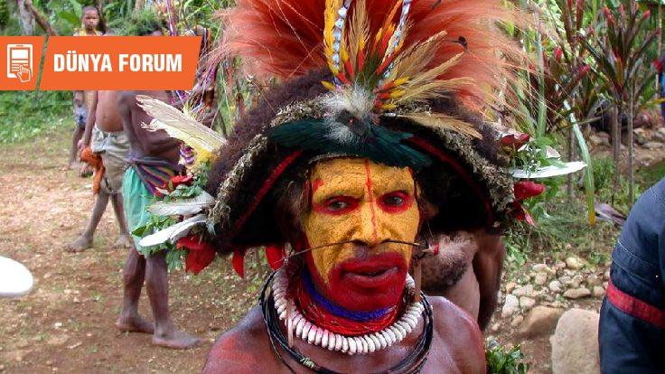 Huli halkı / Papua'nın süslü savaşçıları