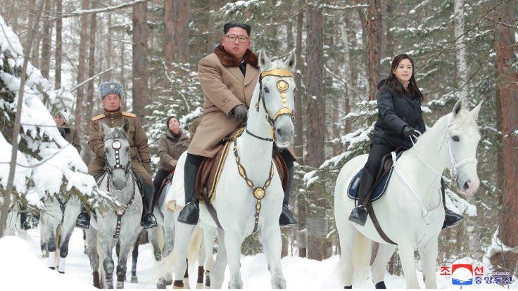Kim'den ABD'ye beyaz atlı mesaj