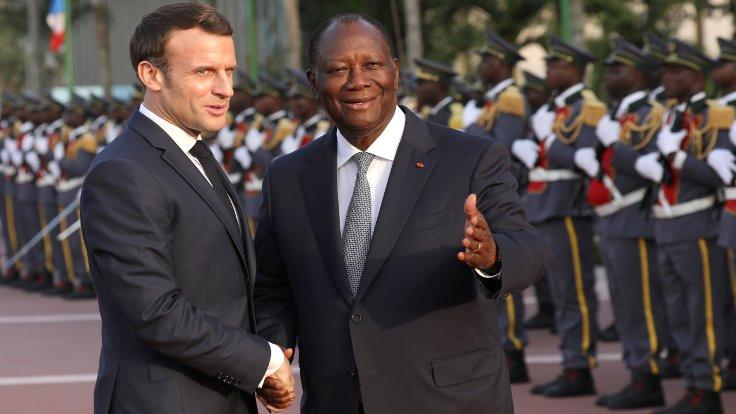 Afrika ülkeleri sömürge parasını bırakıyor