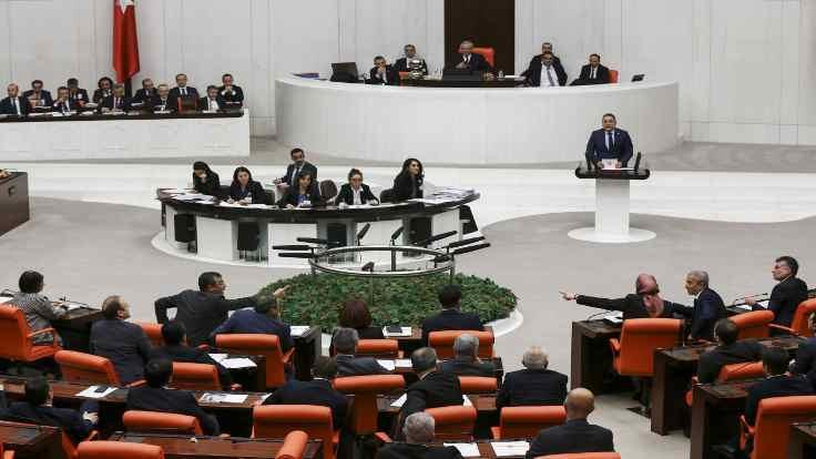 AK Partili vekil: Sataşma çok kötü bir şeymiş!