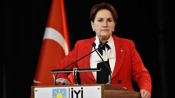 Meral Akşener'den Mansur Yavaş'a destek