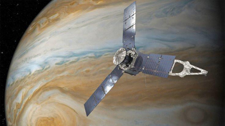 Juno, Jüpiter'de kasırga keşfetti
