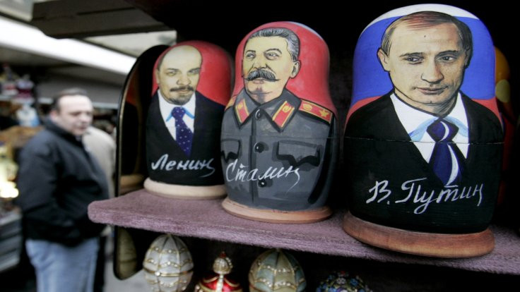 Putin, Lenin'i hedef aldı: Rusya'nın altını oydu
